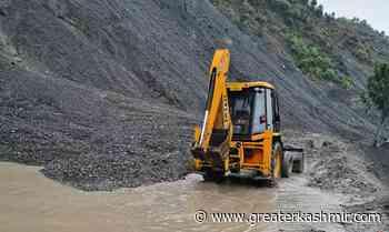 Construction work disrupts traffic at Samroli - Greater Kashmir