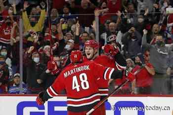 Andersen stops former team, streaking Hurricanes beat Leafs
