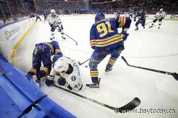 Olofsson scores twice to help Sabres beat Lightning 5-1