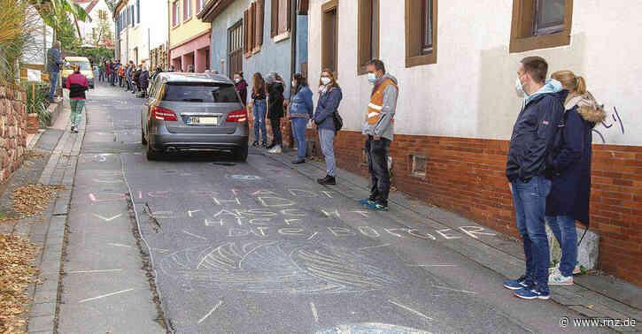 Heidelberg:  Ob sich Autofahreran Schutzzone in derMühltalstraße halten?