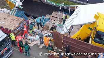 Mit 25 Tonnen Waschmittel: Lkw kippt auf A2 bei Helmstedt um