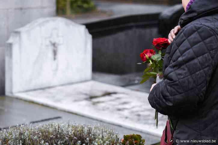 Muziek en poëzie op Haalterse kerkhoven tijdens Reveil op 1 november