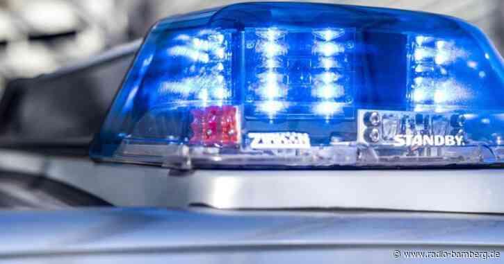 Mann greift Bundespolizisten und Bahnmitarbeiter an