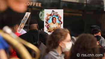 NYPD officers face questions about Eric Garner's death in judicial inquiry