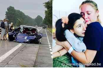 """Twee maanden na zware crash waarbij ze vriend verloor, herstelt Nicky (39) nog steeds: """"Keihard gevochten om er te zijn voor mijn dochter"""""""