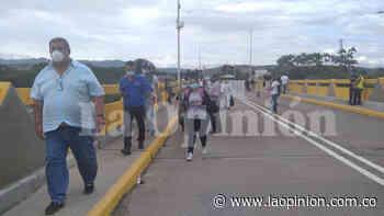 ¡Fin del plan piloto! Abren paso peatonal en la frontera - La Opinión Cúcuta