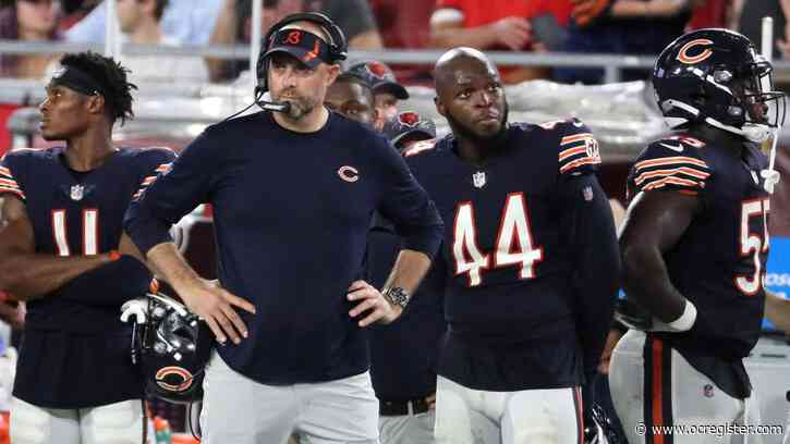 Column: The Chicago Bears' 35-point loss to the Tampa Bay Buccaneers was lopsided, humiliating and confusing — but not even a little bit surprising