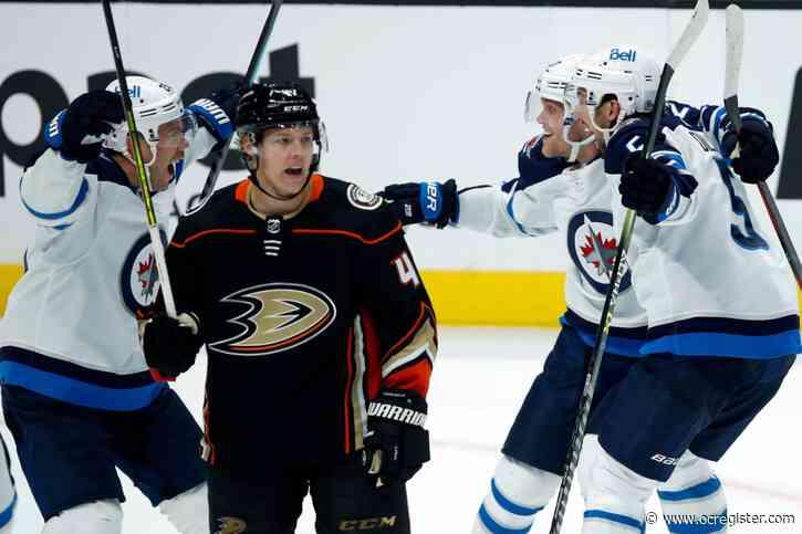 Ducks squander late lead in loss to Winnipeg