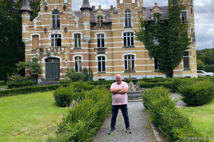 Peter Gillis heeft een nieuw optrekje in Limburg, en het is een heus kasteel