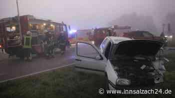 Vorfahrt missachtet: SchwererVerkehrsunfallmit vier Verletzten bei Oberbergkirchen