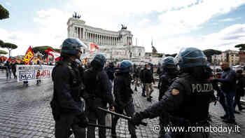 Roma, sabato l'anti G20: corteo tra Piramide e Bocca della Verità. Ecco chi sarà in piazza