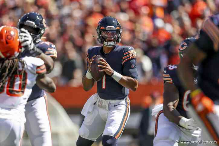 How did Justin Fields do? Tracking the Chicago Bears rookie QB's progress during the 2021 season.