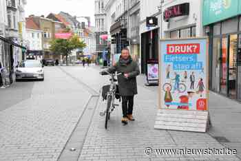Stad grijpt in na klachten: fietsers moeten afstappen als het te druk is in winkelwandelgebied