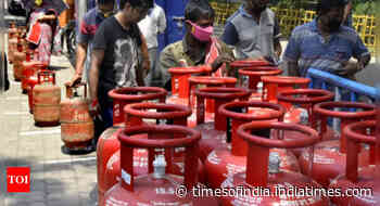 Govt proposes sale of small LPG cylinders via ration shops