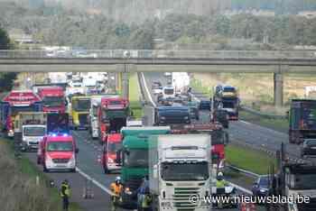 Zwaar ongeval op E403: twee gewonden en lange file