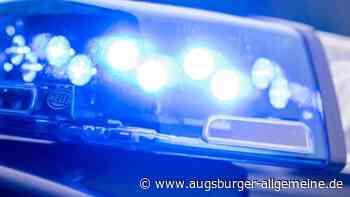 Unfall: Lkw-Fahrer übersieht beim Spurwechsel ein Auto