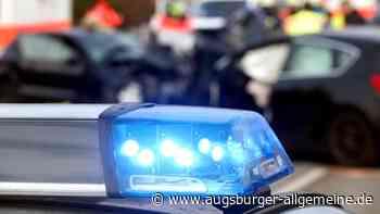 Unfall mit mehreren Fahrzeugen: Langer Stau auf der B17 in Augsburg