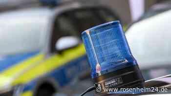 Vier Verletzte bei Unfall auf B15 nahe Griesstätt