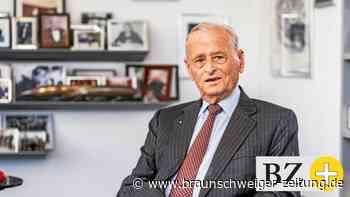 """""""Held der Autowelt"""" – Ehrung für früheren VW-Chef Carl H. Hahn"""