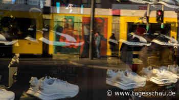 Lieferprobleme im Handel: Warten auf die neuen Sneaker