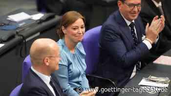 Änderung der Sitzordnung im Parlament? Neue Bundestags-Vizepräsidentin Magwas dagegen