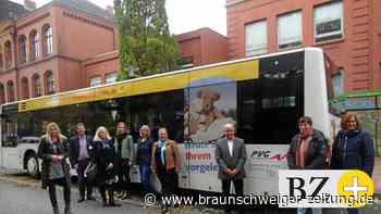 In Peine erinnert ein Bus nun ans regelmäßige Vorlesen