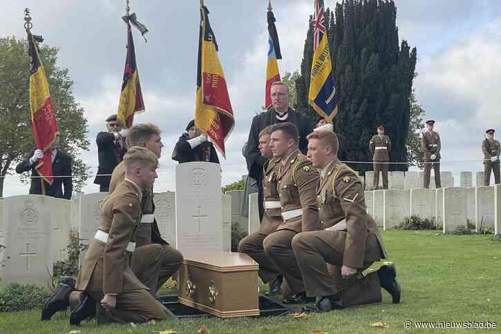 Oorlogsdetectives ontroeren Britse familie: gesneuvelde soldaat krijgt eindelijk naam en laatste rustplaats
