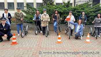 Salzgitter – Frauen mit Migrationshintergrund lernen Radfahren