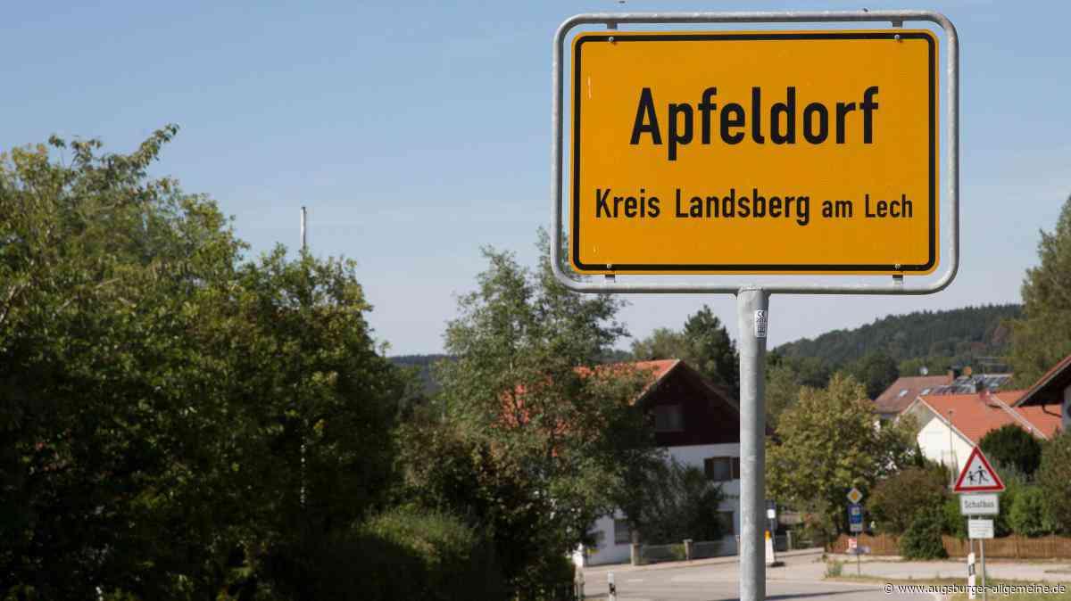 """Apfeldorf erhält vom Freistaat das """"Gütesiegel Heimatdorf"""""""